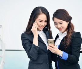 Viettel tặng thẻ Titan của Vietnam Airlines cho khách hàng nữ