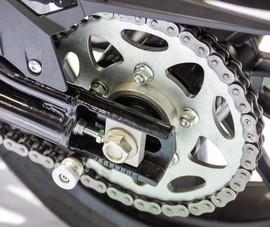 Cách làm sạch xích xe máy để đảm bảo đi lại trong dịp Tết