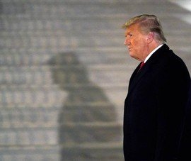 Nga: Khóa tài khoản Facebook ông Trump giống vụ nổ hạt nhân