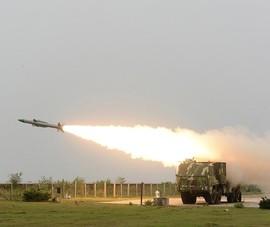 Trong khi chờ Nga giao S-400, Ấn Độ có gì để đối phó máy bay Trung Quốc?
