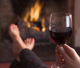 Uống vài ly rượu nhỏ mỗi ngày liệu có tốt cho sức khỏe?