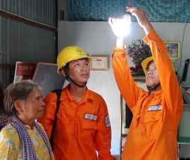 Hộ chính sách sẽ được lắp điện mặt trời áp mái miễn phí
