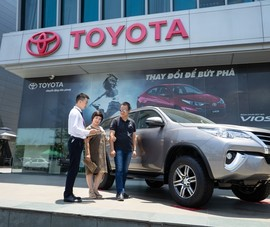 Toyota ưu đãi lớn mua xe Corolla Altis, Fortuner và Innova
