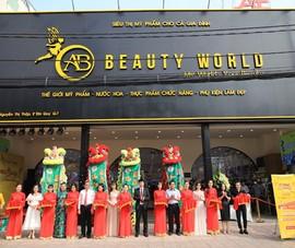 """AB Beauty World: khách hàng """"càn quét"""" mỹ phẩm xịn giá 7.000 đ"""