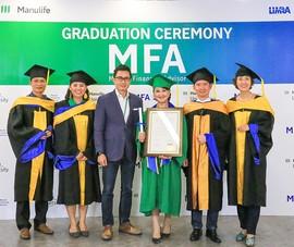 Manulife Việt Nam trao chứng chỉ cho 35 tư vấn viên xuất sắc
