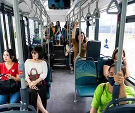 Háo hức trải nghiệm xe buýt điện đầu tiên của VinBus