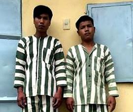 2 thanh niên bắt bé gái 14 tuổi vào chòi vắng xâm hại