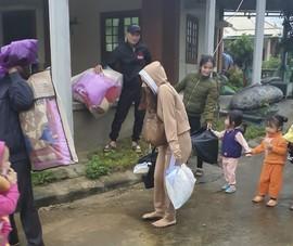 Quân, dân trên đảo Cồn Cỏ vào hầm quân sự tránh bão số 13