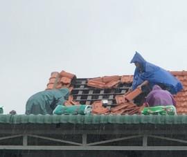 Bão chưa đổ bộ, nhiều ngôi nhà ở Thừa Thiên - Huế đã tốc mái