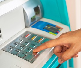 5 cách hạn chế mất tiền khi sử dụng ATM