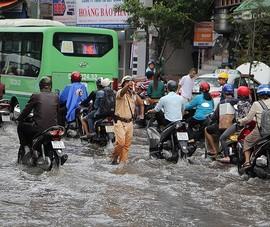 2 ứng dụng cần có trên điện thoại khi trời mưa bão