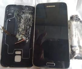 Điện thoại Samsung bất ngờ phát nổ khiến nạn nhân bị bỏng