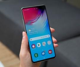 2 mẫu điện thoại giảm giá 'sốc' ngay đầu tuần