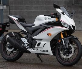 Yamaha triệu hồi mẫu mô tô R3 vì lỗi phanh trước