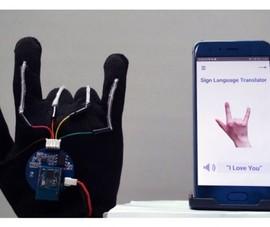 Găng tay thông minh giúp biến ngôn ngữ ký hiệu thành giọng nói