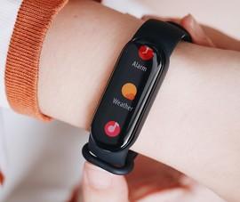 Lộ diện mẫu thiết bị đeo thông minh hỗ trợ 30 chế độ tập luyện