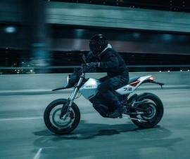 Lộ diện mẫu xe máy điện có công suất vượt mặt mô tô 400 cc