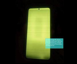 Người dùng Samsung than phiền vì màn hình cảm ứng bị sọc