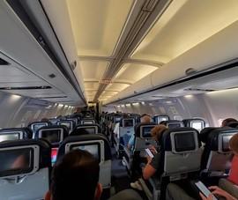 Không đeo khẩu trang khi đi máy bay có thể bị phạt hơn 65 triệu đồng