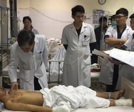 Video: Pháo tự chế phát nổ, 1 thiếu niên bị chấn thương nặng