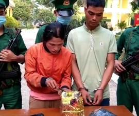 Video: Bắt hai đối tượng vận chuyển 1kg ma túy đá ở Kon Tum