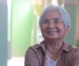 Cụ bà 76 tuổi đưa người già về nhà mình nuôi dưỡng