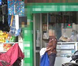 Một số cửa hàng ở Hà Nội 'quên' yêu cầu khách quét mã QR