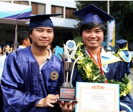 Hai anh em song sinh cùng tốt nghiệp xuất sắc ĐH Bách khoa
