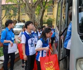 Trường đại học chung tay hỗ trợ sinh viên khó khăn đón Tết