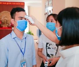 Các trường ĐH-CĐ đồng loạt cho sinh viên dừng học, hoãn thi