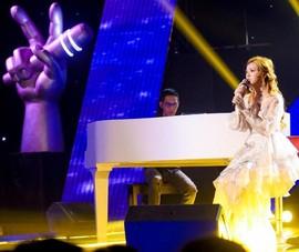 Hồ Hoài Anh thử thách học trò khi hát mộc cùng piano