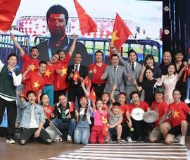 BLV Quang Huy rủ MC Lại Văn Sâm và dàn nghệ sĩ 'đi bão'