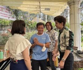 Việt Hương mời Đan Trường làm từ thiện cùng ông Đoàn Ngọc Hải
