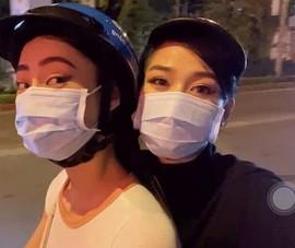 Lương Thùy Linh chạy xe máy chở Đỗ Hà dạo đêm