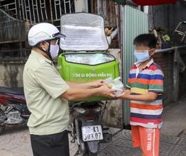 Người nghèo TP.HCM được nhận 'cơm di động' miễn phí