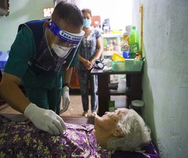 TPHCM: Thăm khám, tiêm vaccine tại nhà cho phụ nữ mang thai, người cao tuổi