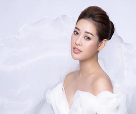 Hoa hậu Khánh Vân 'biến hoá' lạ kỳ chỉ với dải lụa mềm