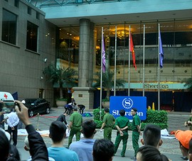 Nam thanh niên rơi xuống trước khách sạn Sheraton Saigon tử vong
