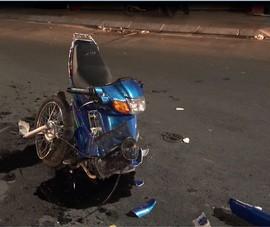 Xe máy gãy đôi tối Valentine, 2 cặp nam nữ bị thương