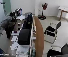 Cướp xông vào 1 đại lý Viettel bắt nữ nhân viên chuyển tiền