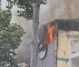 Cháy nhà hàng buffet trên đường Trần Hưng Đạo, quận 5