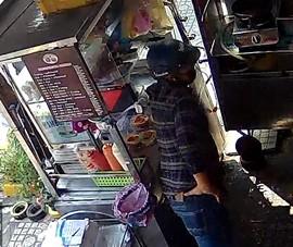 Gã trộm vờ mua hamburger để trộm iPhone ngày mùng 5 Tết