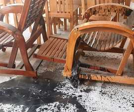 Điều tra nhóm người tạt sơn cửa hàng đồ gỗ ở Hóc Môn