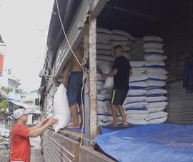 Bắt quả tang 150 tấn đường nghi nhập lậu vào TP.HCM