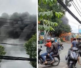 Cháy dữ dội cửa hàng đồ điện gia dụng ở quận Bình Tân