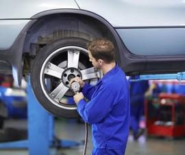 Vì sao chi phí thay lốp ô tô ngày càng đắt đỏ?