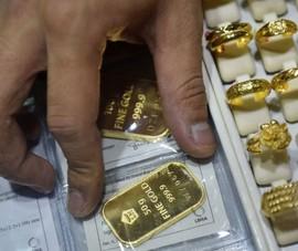 Giá vàng bất ngờ tăng sốc trở lại, cao nhất 1 tháng