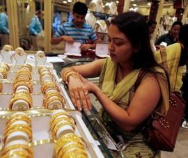 Giá vàng sụp đổ, hỗn loạn do dịch kinh hoàng ở Ấn Độ