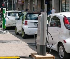 Vì sao ô tô điện đã qua sử dụng khó giữ giá hơn xe xăng?