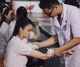 Trương Quỳnh Anh cần đến bác sĩ khi liên tục gặp sự cố